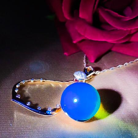 【特别设计】多米尼加蓝珀吊坠,18k南非足反钻石蓝珀吊坠,净水天空蓝