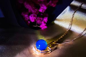 【多米吊坠】夏日小清新风,让你的锁骨凸显出来,18k蓝珀吊坠,天空蓝,9mm珠珠